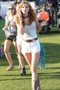 Bella-Thorne-Vogue-13Apr15-Getty_b_592x888