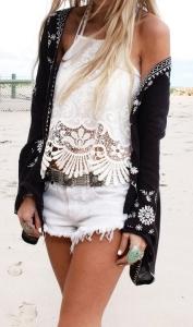 street-style-white-crochet-top-@wachabuy-603x1024